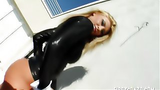 Mature Blonde in a Threesome With Two - Set4