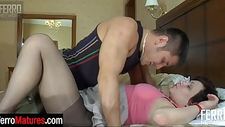 Horny mature stepmom in shiny pantyhose gets fun from bedroom fucking games