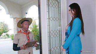 Super Hot Mature Ariella Ferrera takes Young Boy on his Safari Fantasy